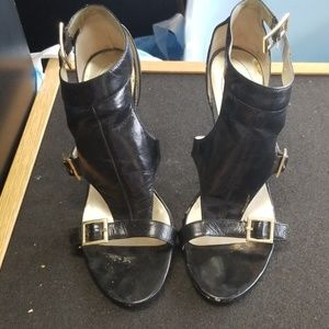 Guess size 7.5 wgapricot 4in heel sh0583